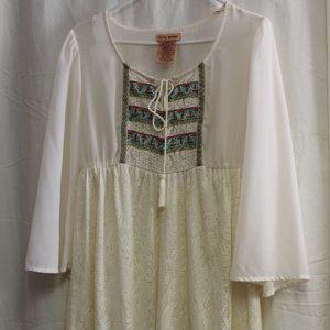 FLYING TOMATO Fluted Sleeve White Dress Small